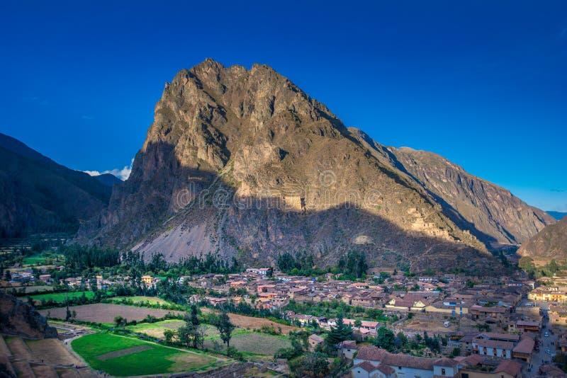 Ollantaytambo - ruines inca et passage à Machu Picchu au Pérou photographie stock