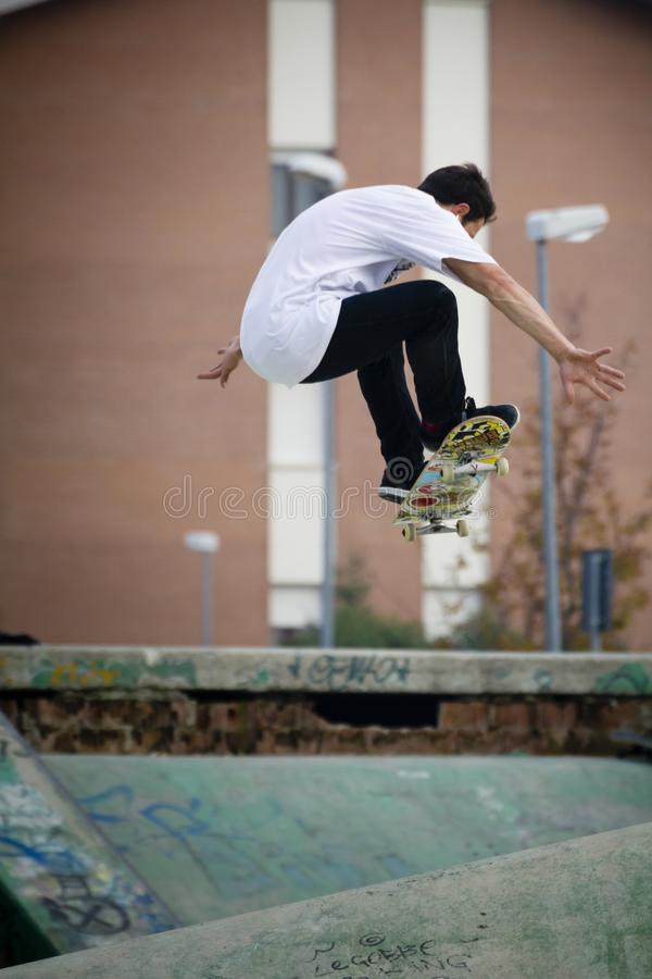 ollie do skater fotografia de stock royalty free