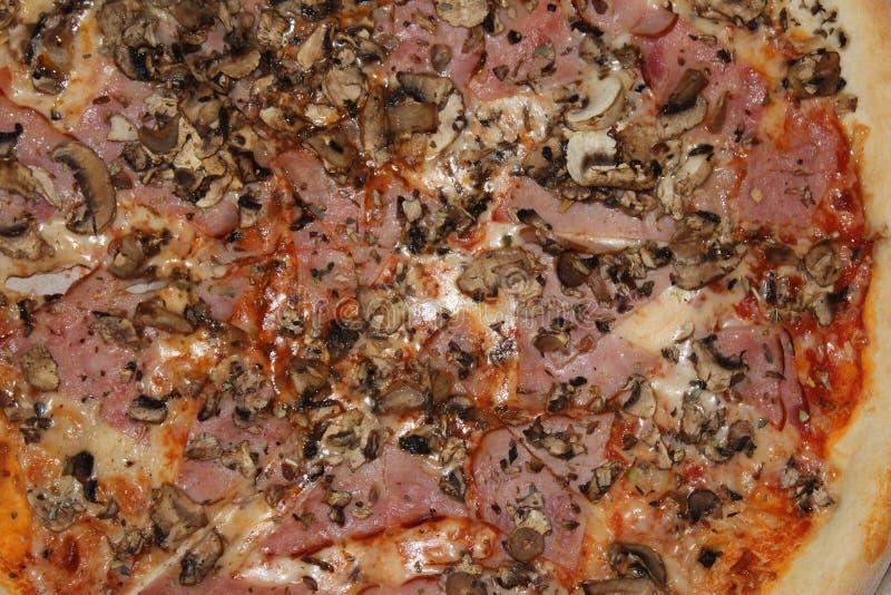 Ollis pizza w pudełku dzwonił Prosciutto Grzyb zdjęcie stock