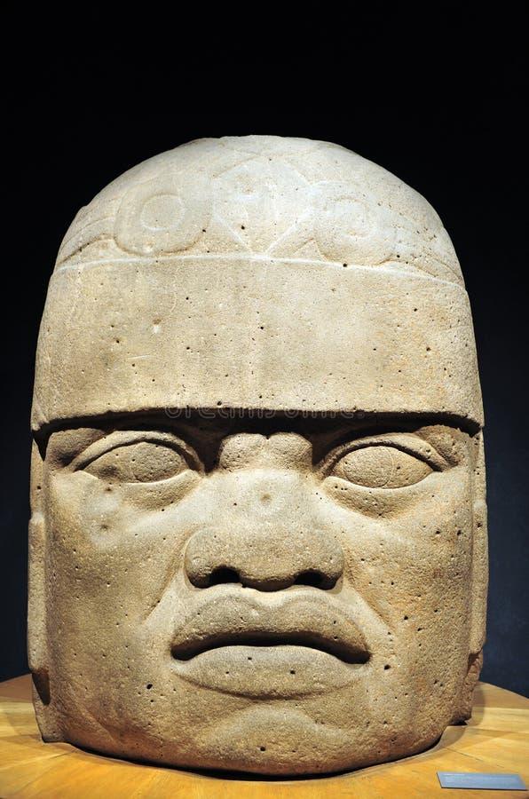 Olmec kolosalna głowa od Columbian dziedzictwo ery zdjęcie royalty free