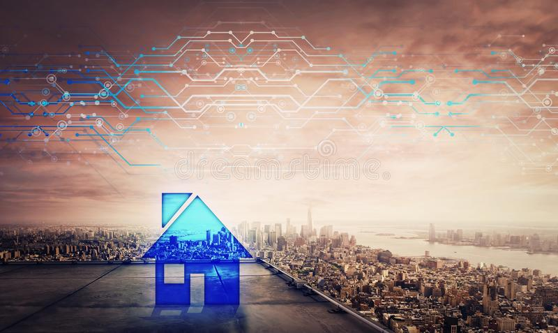 Ologramma blu sul tetto di un grattacielo sopra il grande orizzonte di tramonto della città, effetto dell'icona della casa di dop fotografia stock libera da diritti