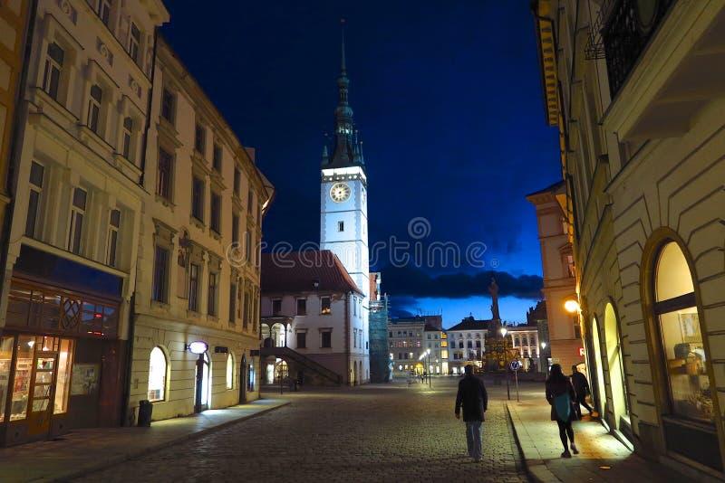 Olomouc, câmara municipal de República Checa na noite imagem de stock royalty free