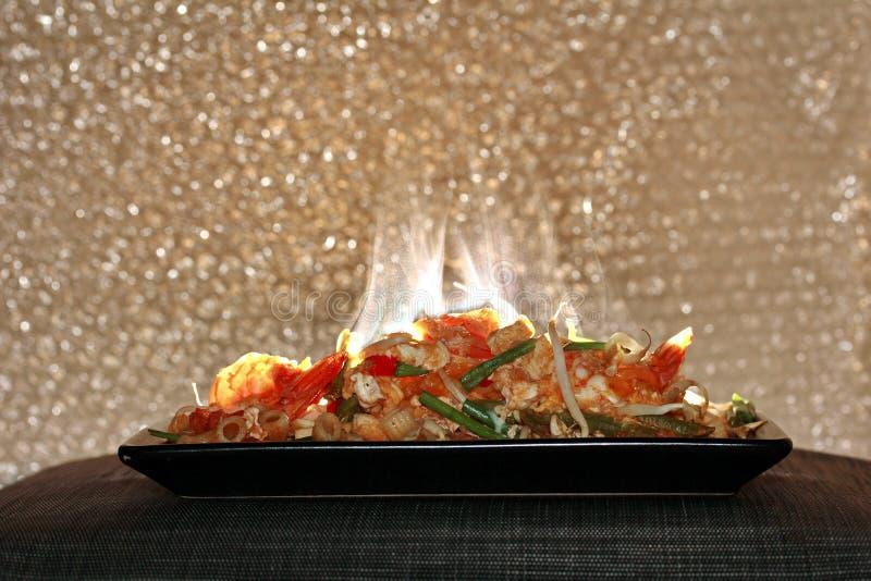 Olor del aroma de los macarrones fritos tailandeses con el camarón, cojín M tailandés de la llamada foto de archivo