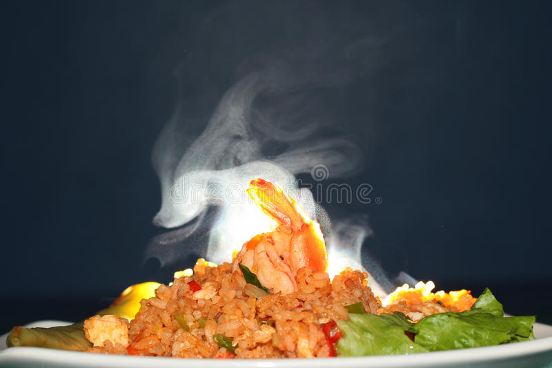 Olor del aroma del arroz frito con el camarón Foco selectivo fotografía de archivo libre de regalías
