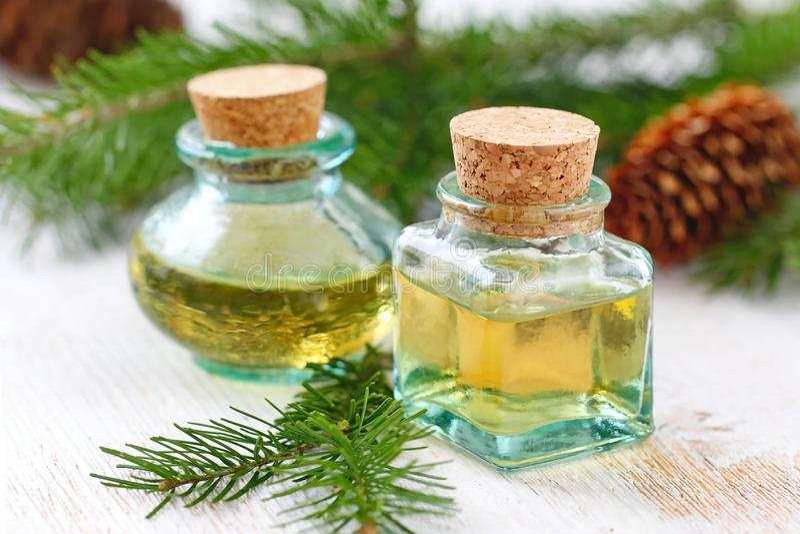 Olor esencial de la aguja del witn del aceite del aroma foto de archivo libre de regalías