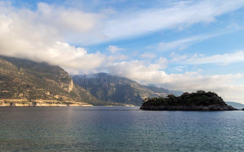 Oludeniz-Lagune in der Seelandschaftsansicht des Strandes, die Türkei lizenzfreie stockbilder