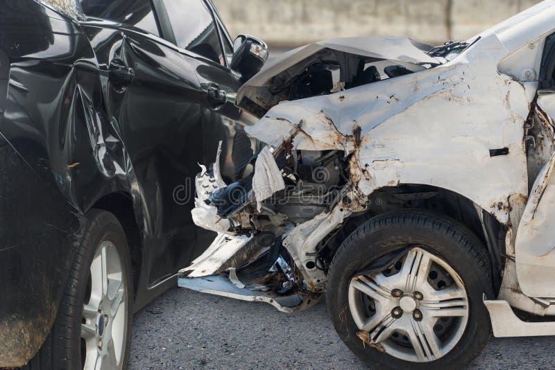 Olycka för bilkrasch på vägen royaltyfria foton