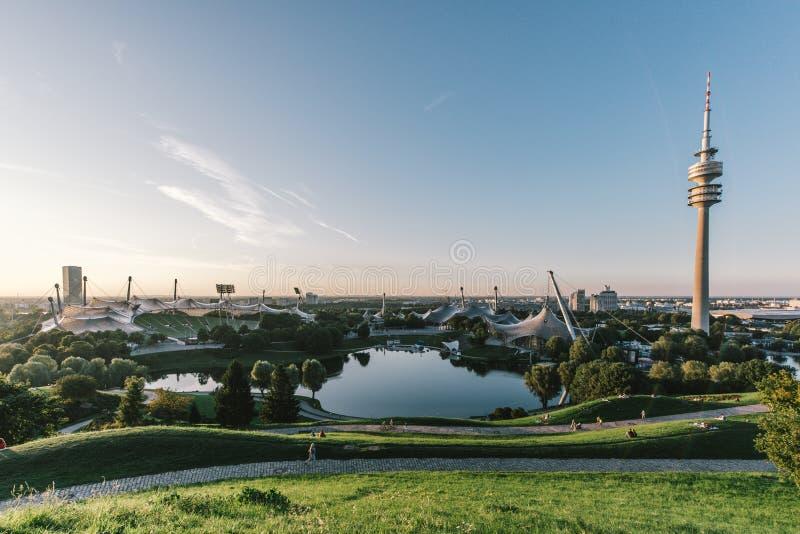 Olympia Park Munich på solnedgången arkivbilder