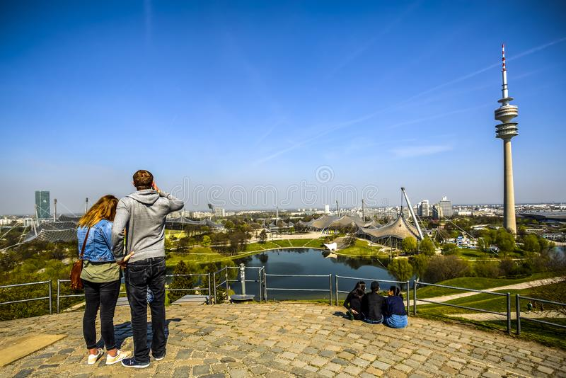 Olympiagelände in München, Deutschland lizenzfreies stockfoto