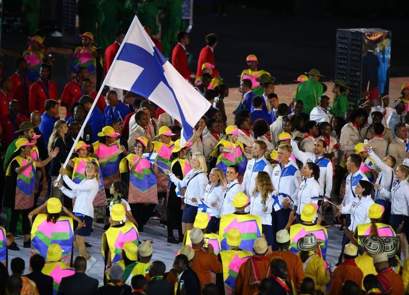 Olympiamannschaft Finnland marschierte in die Olympicseröffnungsfeier Rios 2016 stockfotografie