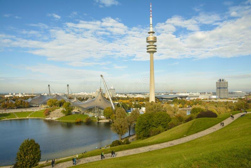 Olympiapark в Мюнхене, Баварии, Германии стоковое изображение