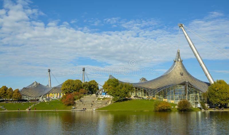 Olympiapark i Munich, Bayern, Tyskland royaltyfri fotografi