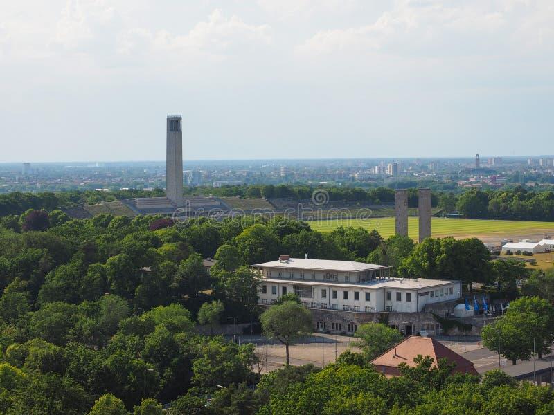 Olympiastadion Olympic Stadium i Berlin arkivfoton
