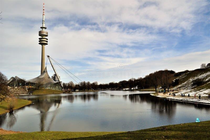 Olympiastadion, Stadions-München-Seeblick lizenzfreie stockfotografie