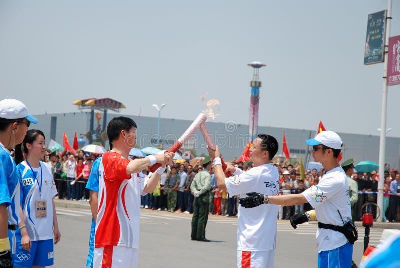 olympic relayfackla royaltyfria bilder