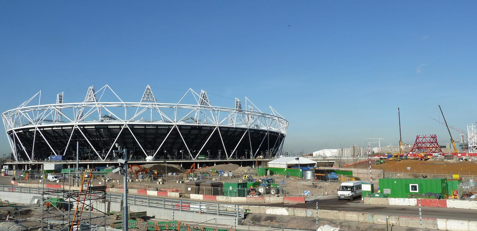 Download Olympic Stadium And Anish Kapoor's |Orbit Tower Editorial Stock Photo - Image: 18337778