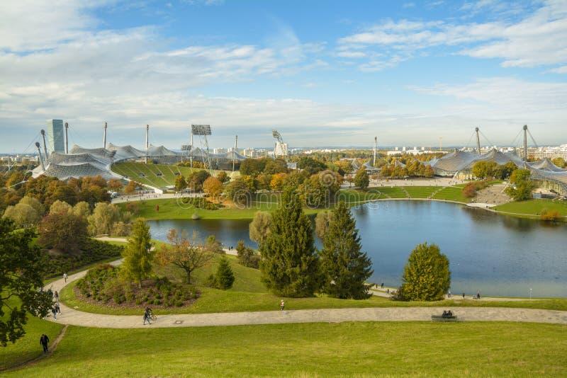 Olympic Stadium i Olympiapark, Munich, Tyskland fotografering för bildbyråer