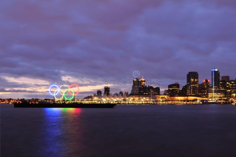 Olympische ringen in Vancouver haven royalty-vrije stock fotografie