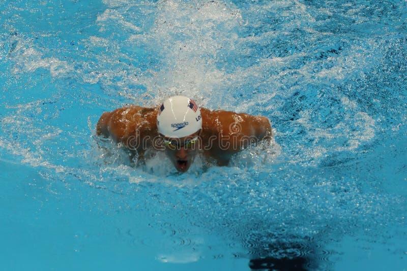 Olympischer Meister Ryan Lochte von Vereinigten Staaten konkurriert am Einzelpersonen-Gemischrelais die 200m der Männer des Rios  lizenzfreie stockfotos