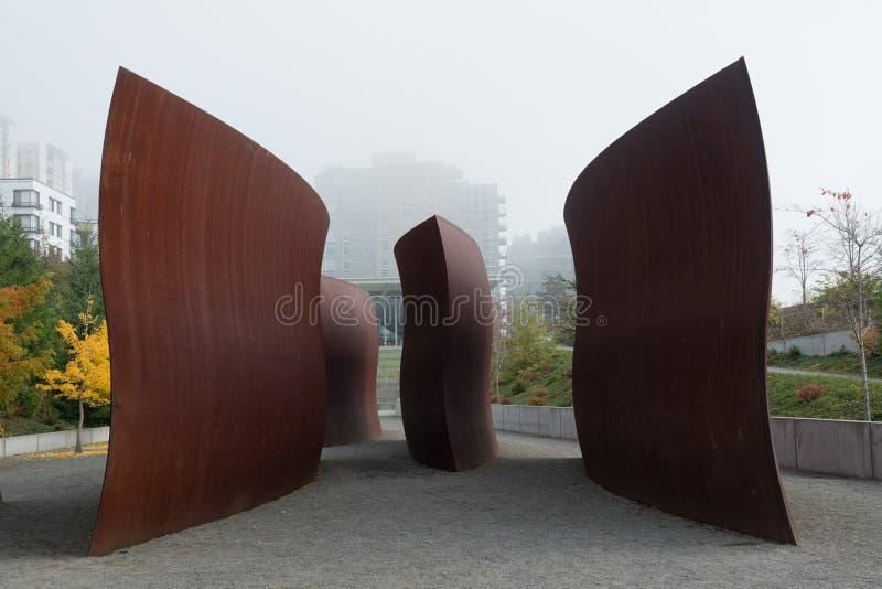Olympisk skulptur parkerar i Seattle royaltyfri foto