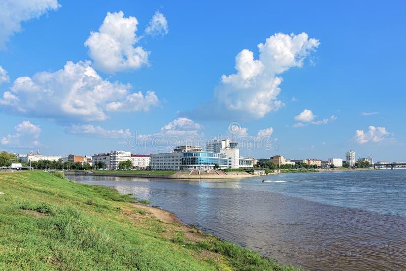 Om和额尔齐斯河的合流在鄂木斯克,俄罗斯 库存图片