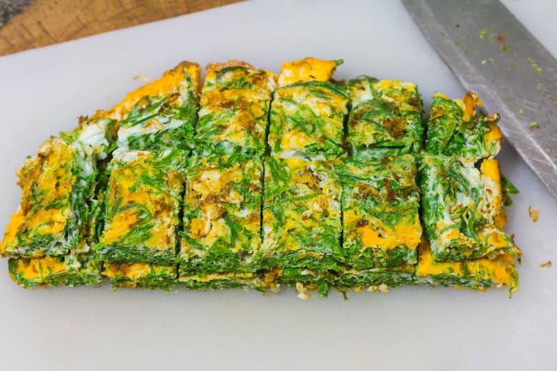 Download OM omelette jedzenie zdjęcie stock. Obraz złożonej z dink - 106900228