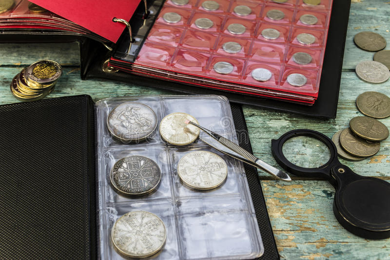 Om oude muntstukken te verzamelen royalty-vrije stock foto's
