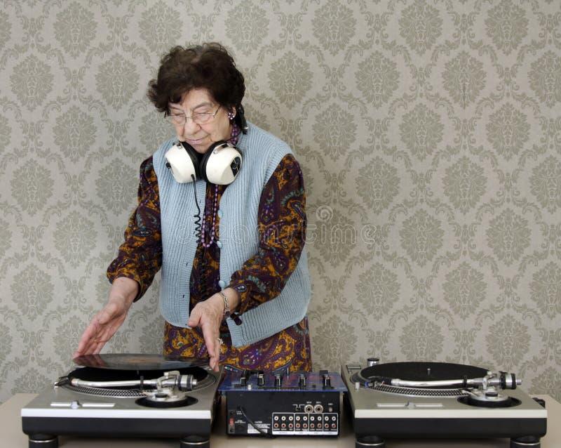 Oma DJ stock foto