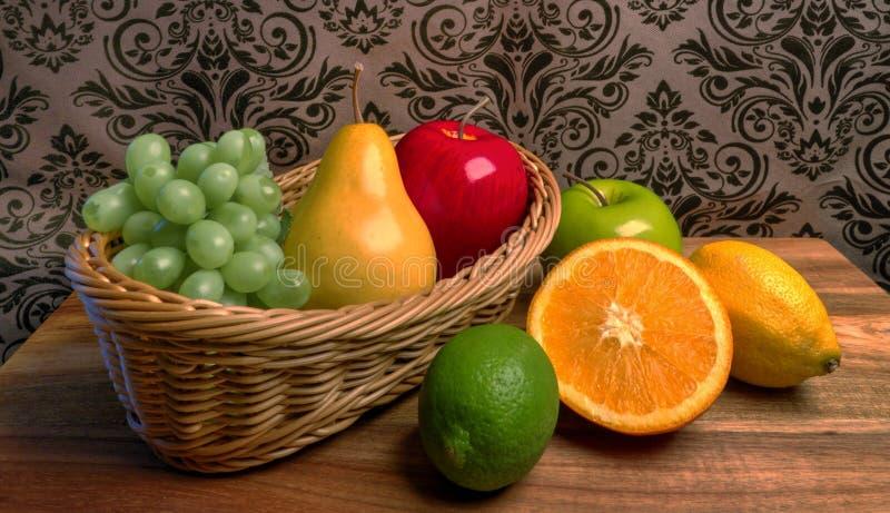 Oma` s Mand Geassorteerde Verse Vruchten royalty-vrije stock fotografie
