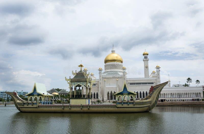 Omar Ali Saifuddien Mosque, Brunei stock photography