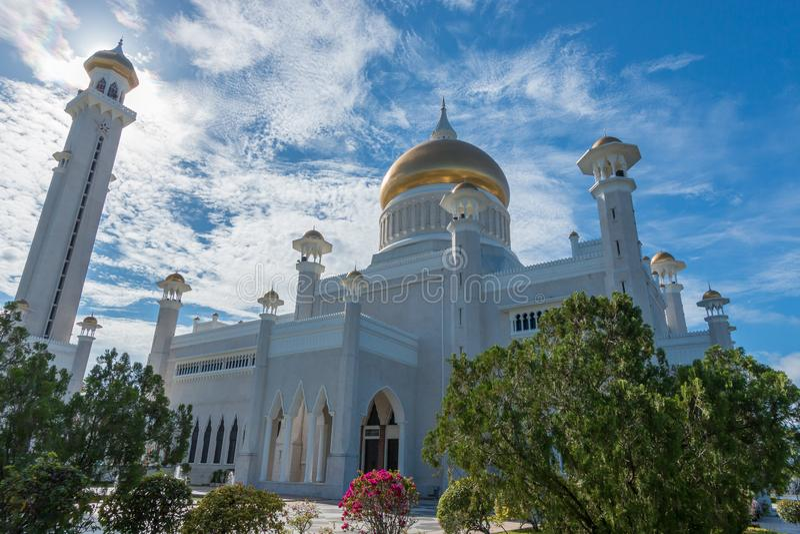 Omar Ali Saifuddin Mosque em Bandar Seri Begawan, Brunei Darussalam fotos de stock royalty free