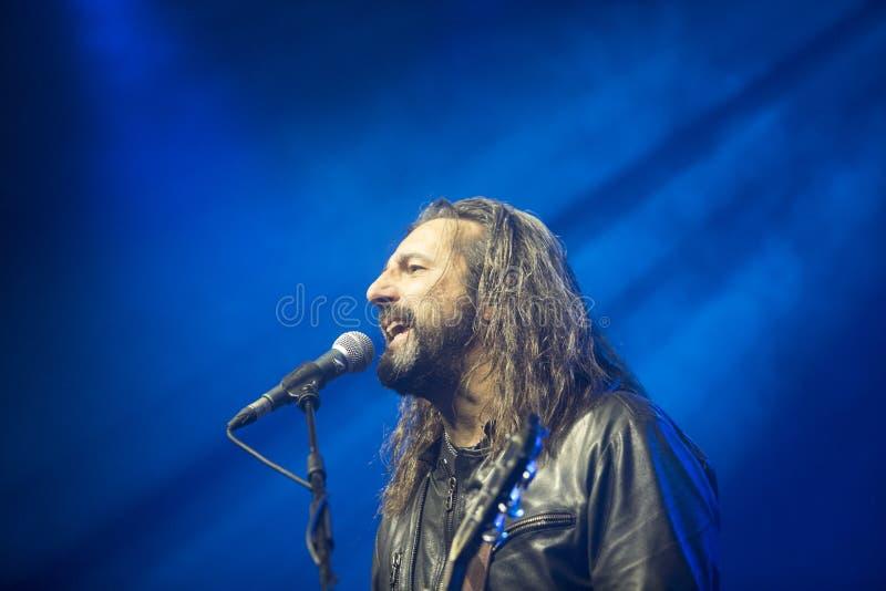 Omar Pedrini Timoria spielt live in Mailand lizenzfreie stockbilder