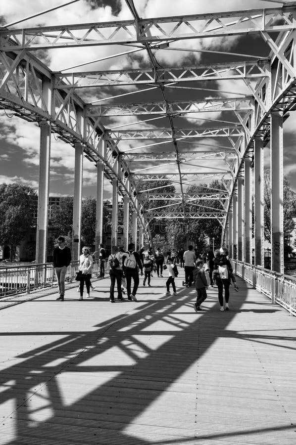 Ombra della passerella di Debilly fotografia stock libera da diritti