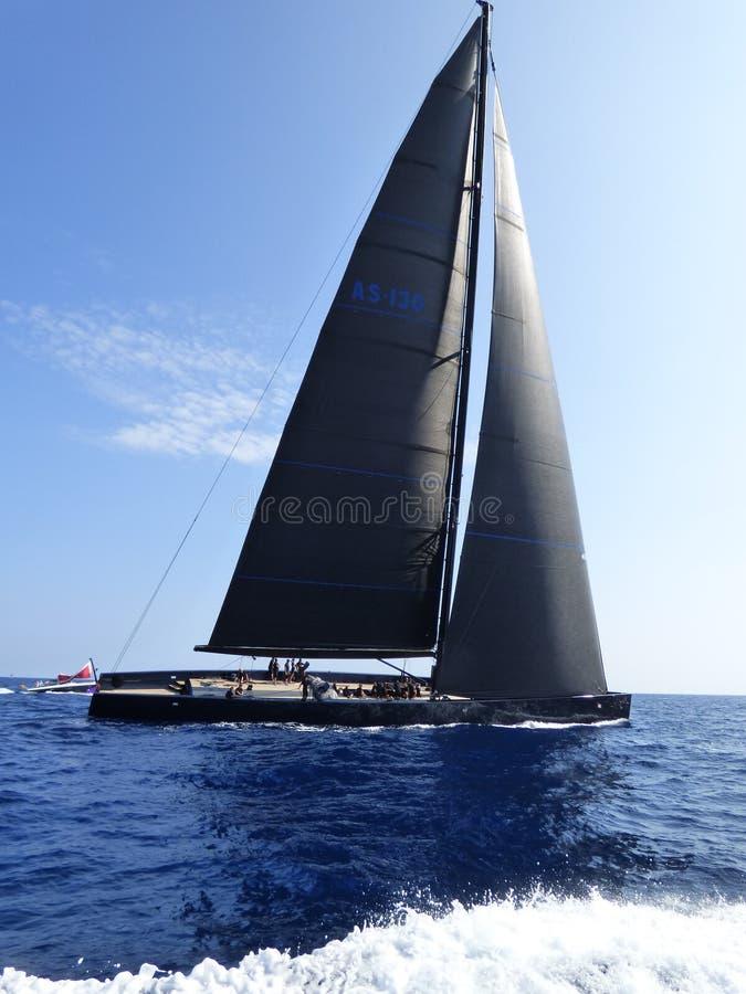 Ombra scura dell'yacht di Wally fotografia stock libera da diritti