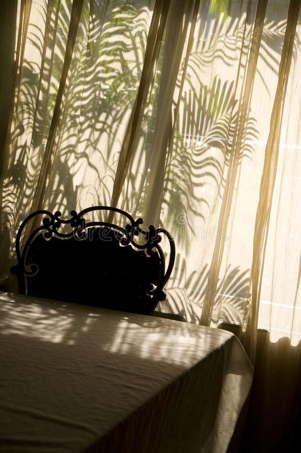 Ombra Sunlit della stanza fotografie stock libere da diritti