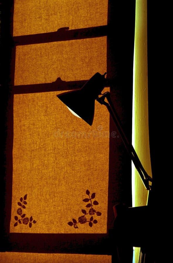 Ombre de lampe et d'hublot photo libre de droits