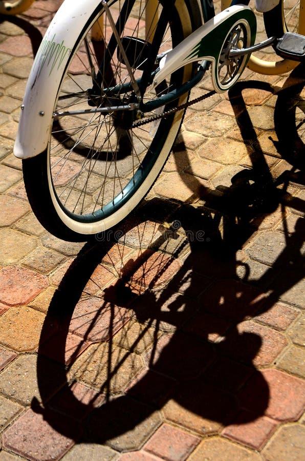 Ombre de vélo image stock