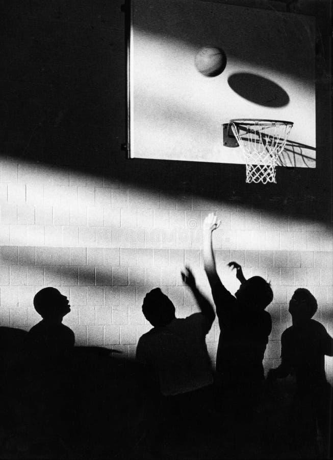 Ombre di pallacanestro fotografie stock libere da diritti