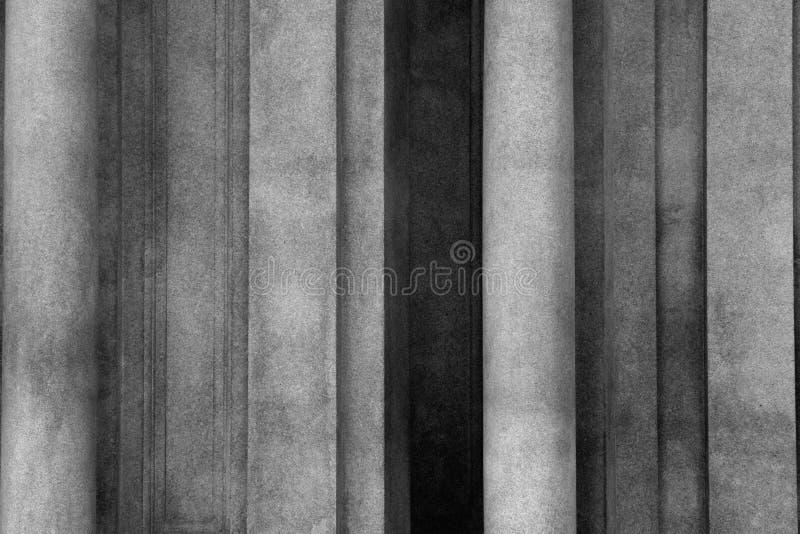 Ombre fra le colonne fotografie stock
