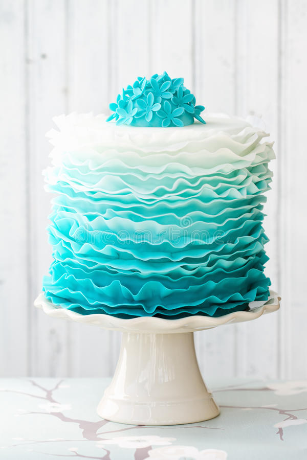 Ombre Ruffle Cake Royalty Free Stock Photos