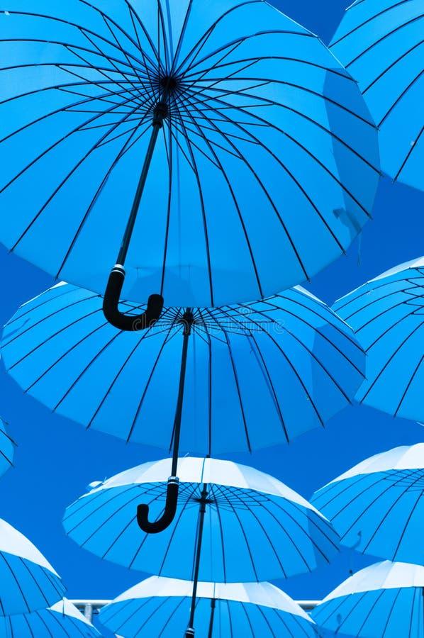 Ombrelli blu fotografie stock libere da diritti