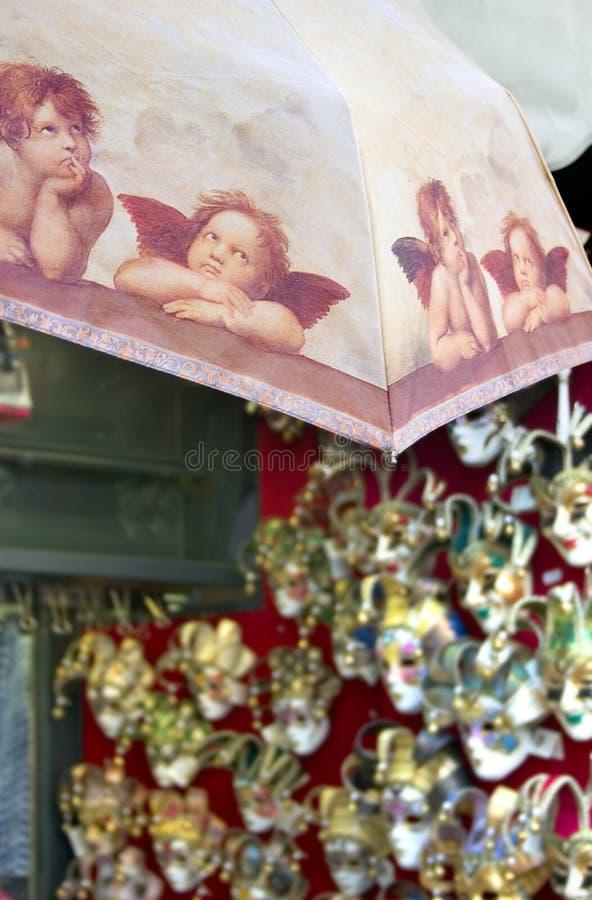 Ombrello del ricordo di Putti e mascherine di Venezia immagine stock libera da diritti