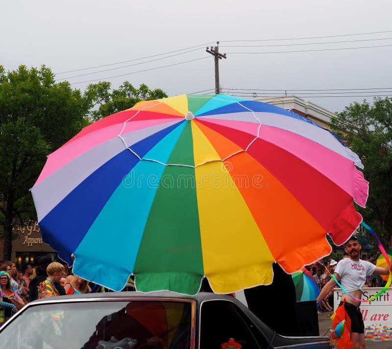 Ombrello dell'arcobaleno in Pride Parade Edmonton 2018 fotografia stock