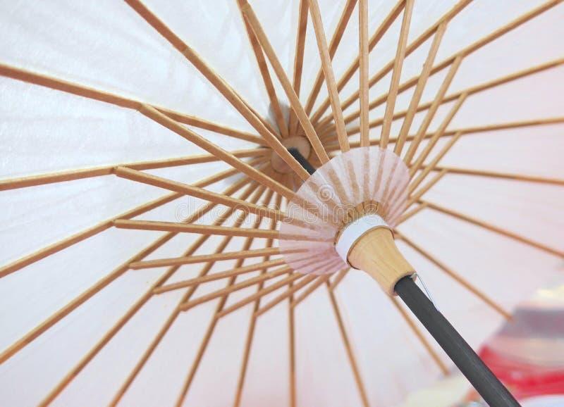 Ombrello dipinto a mano della carta cerata fotografie stock libere da diritti