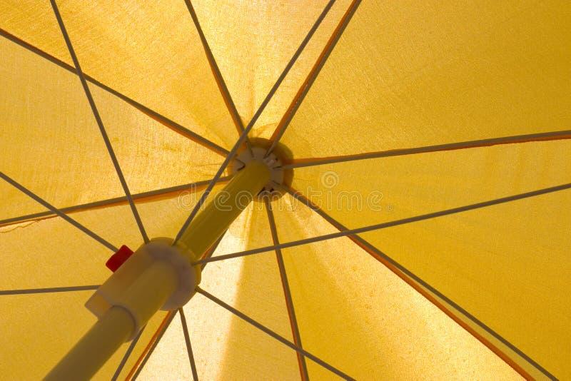 Ombrello giallo fotografia stock