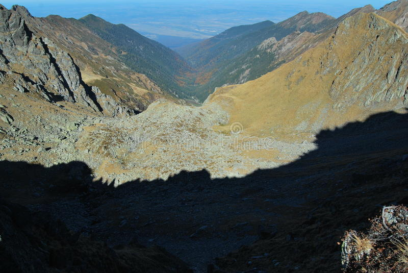 Ombres de l'arête de montagne image libre de droits