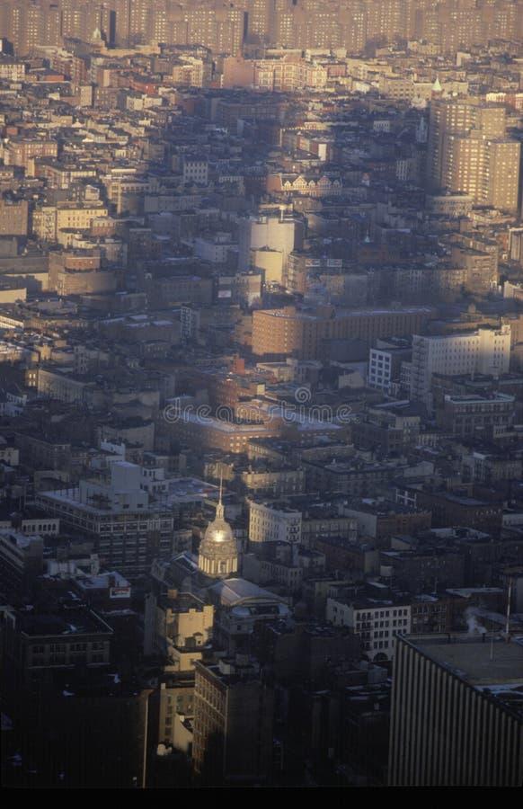 Ombres des tours de commerce mondial au-dessus de New York City, NY images stock