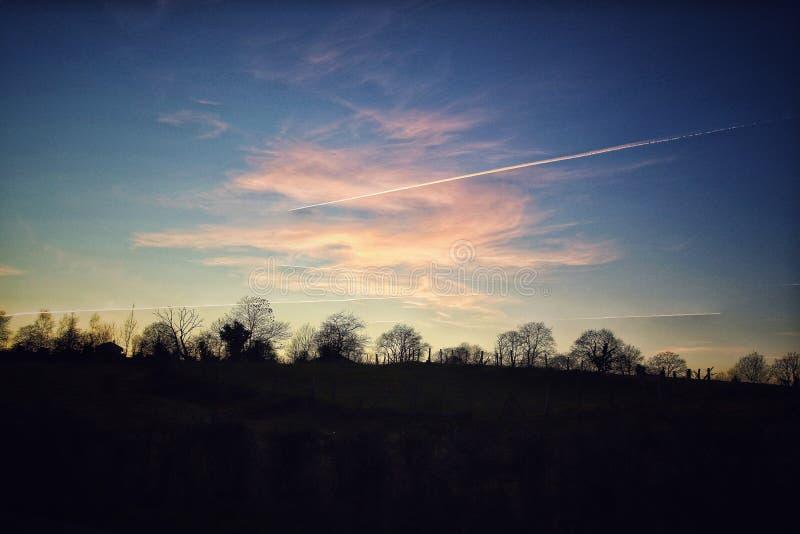 Ombres gentilles de ciel bleu images libres de droits
