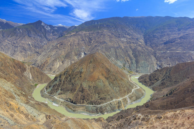Omega Bend of Yangtze River, Yunnan, China stock images