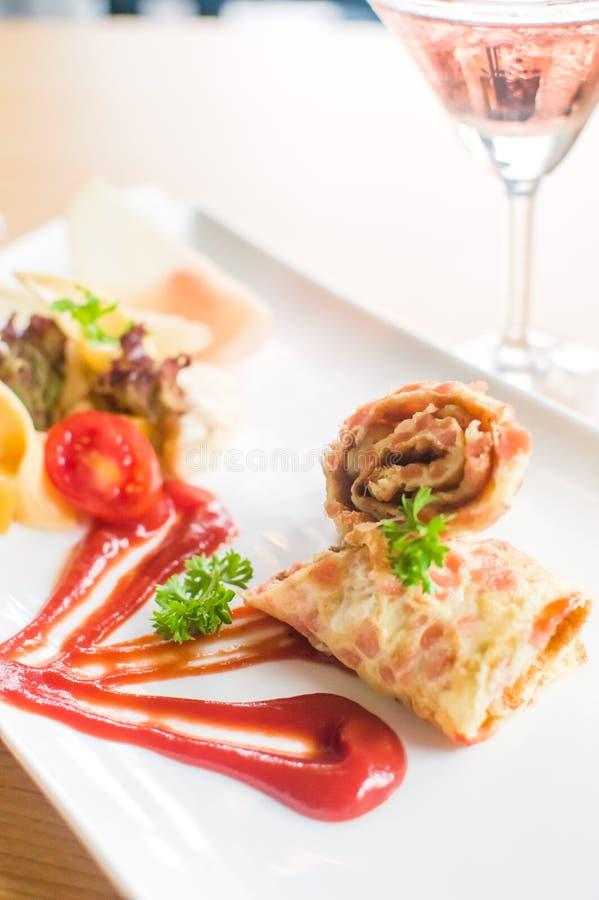 Omelet & drank stock fotografie